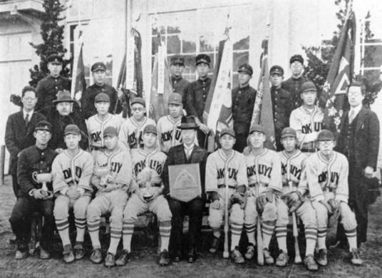 第8回全国選抜中等学校野球大会(昭和6年)の写真です。